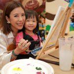 มิลิน ยุวจรัสกุล และลูกสาวน้องเอเชีย เรืองกิจจานุวัฒน์